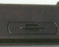 Kunststoffabdeckung schwarz, 100 x 40 cm, entgegen der Abbildung mit zwei Futterklappen im vorderen Bereich